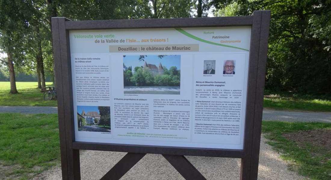 panneau touristique sur la voie verte de mussidan